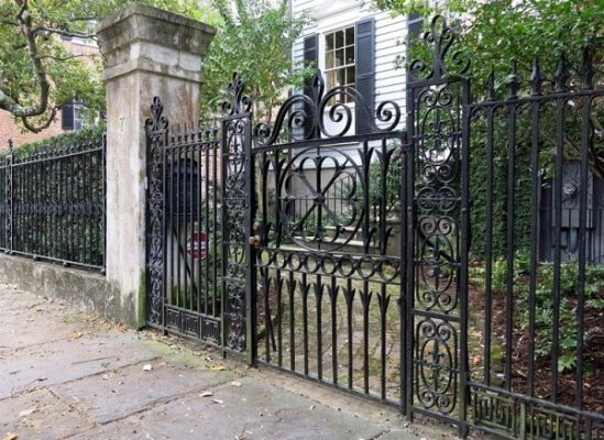 Xem hướng cổng nhà theo tuổi