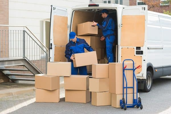 Dùng dịch vụ chuyển nhà chung cư