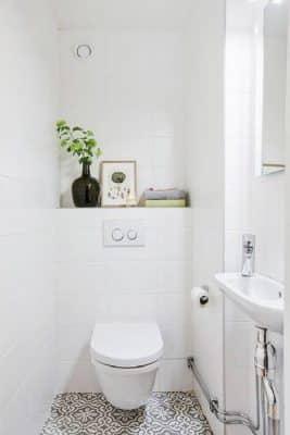 Tránh đặt chổi ở phòng vệ sinh để bảo vệ tài khi cho gia căn