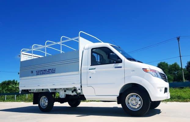 Xe tải chở hàng cho thuê của Công ty Chuyển Nhà 24H