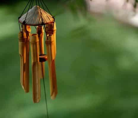 cách tự làm chuông gió bằng gỗ vụn