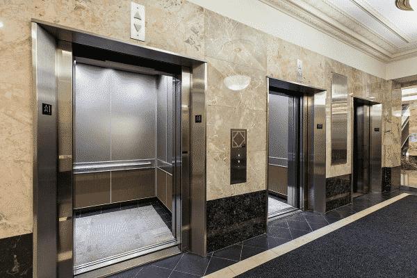chiều cao thang máy chung cư