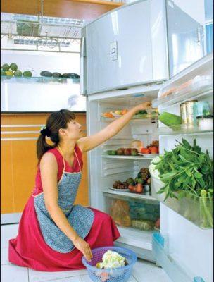 lau chùi tủ lạnh